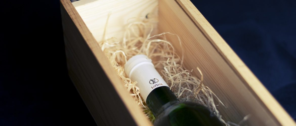 Secure Your Wine Bottles Effectively Using Custom Wine Boxes