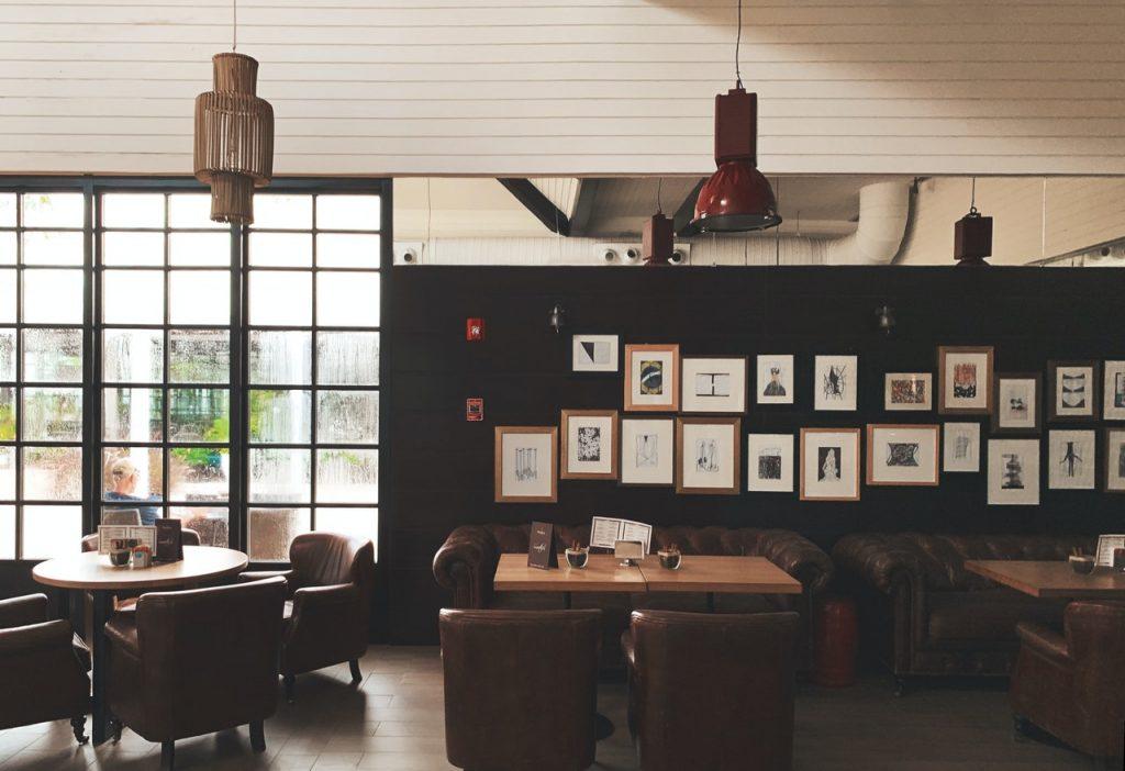 cafe and restaurant walls design