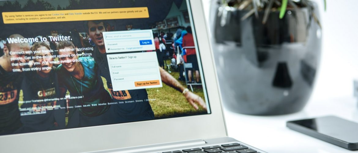 5 Best Tools to Embed Twitter Feed On Your Website